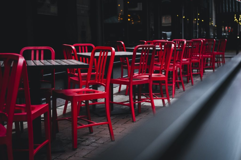 Avoid being a restaurant without a menu (don't send a resume)
